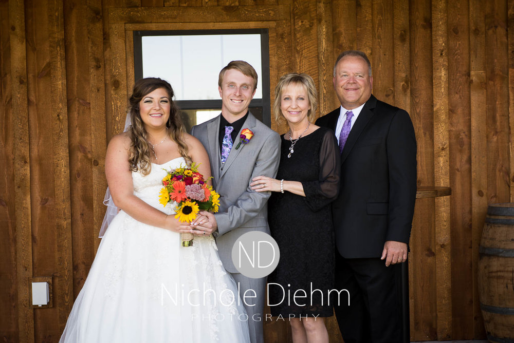 Cedar-Falls-Iowa-Wedding-Photographer-Sioux-Falls-South-Dakota-Emily-Stricklin-Jordy-Reinders-Meadow-Barn-Fall-Nichole-Diehm-Photography-Venue10-2.jpg