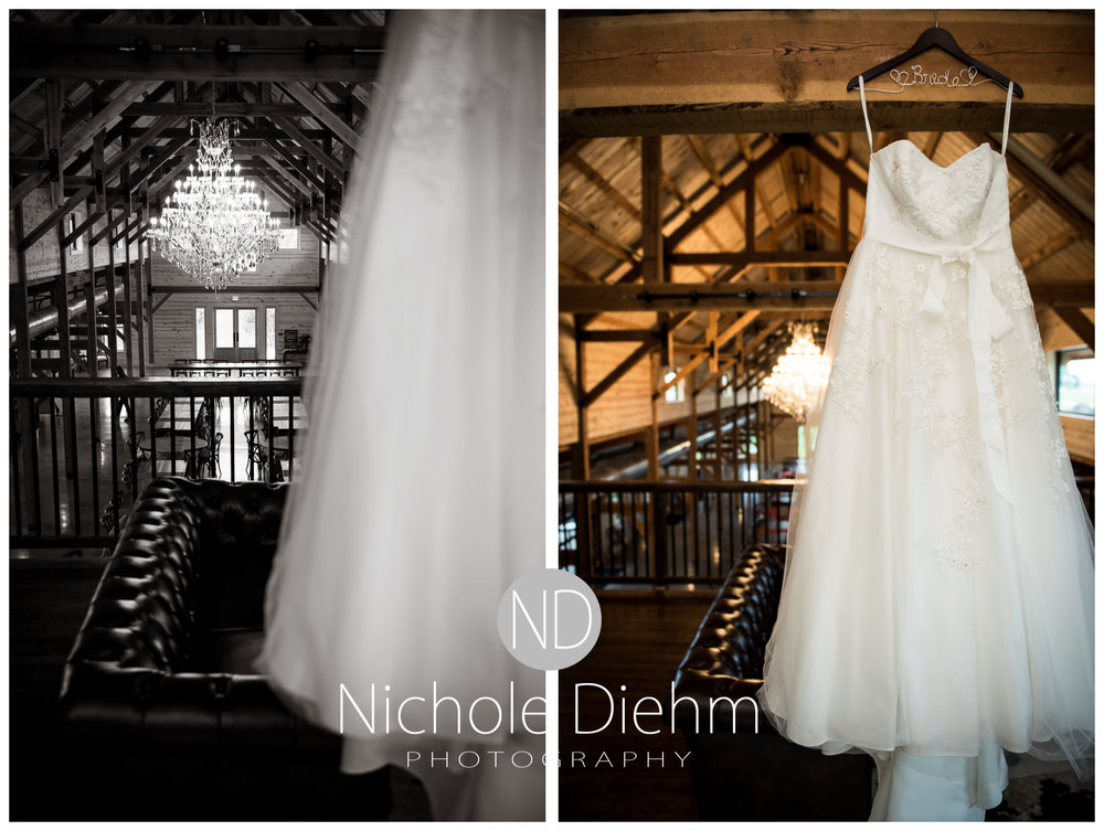 Cedar-Falls-Iowa-Wedding-Photographer-Sioux-Falls-South-Dakota-Emily-Stricklin-Jordy-Reinders-Meadow-Barn-Fall-Nichole-Diehm-Photography-Venue118a.jpg