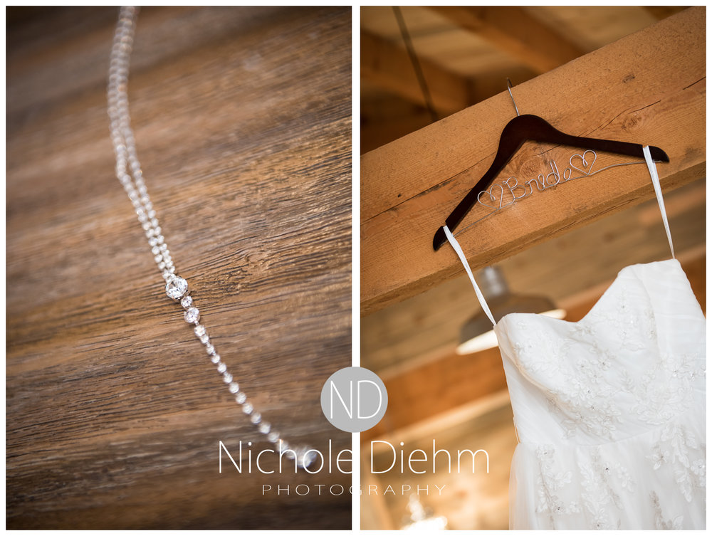 Cedar-Falls-Iowa-Wedding-Photographer-Sioux-Falls-South-Dakota-Emily-Stricklin-Jordy-Reinders-Meadow-Barn-Fall-Nichole-Diehm-Photography-Venue112a.jpg
