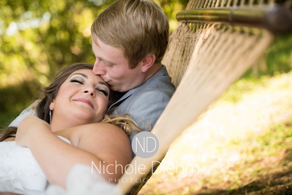 Cedar-Falls-Iowa-Wedding-Photographer-Sioux-Falls-South-Dakota-Emily-Stricklin-Jordy-Reinders-Meadow-Barn-Fall-Nichole-Diehm-Photography-Venue179.jpg