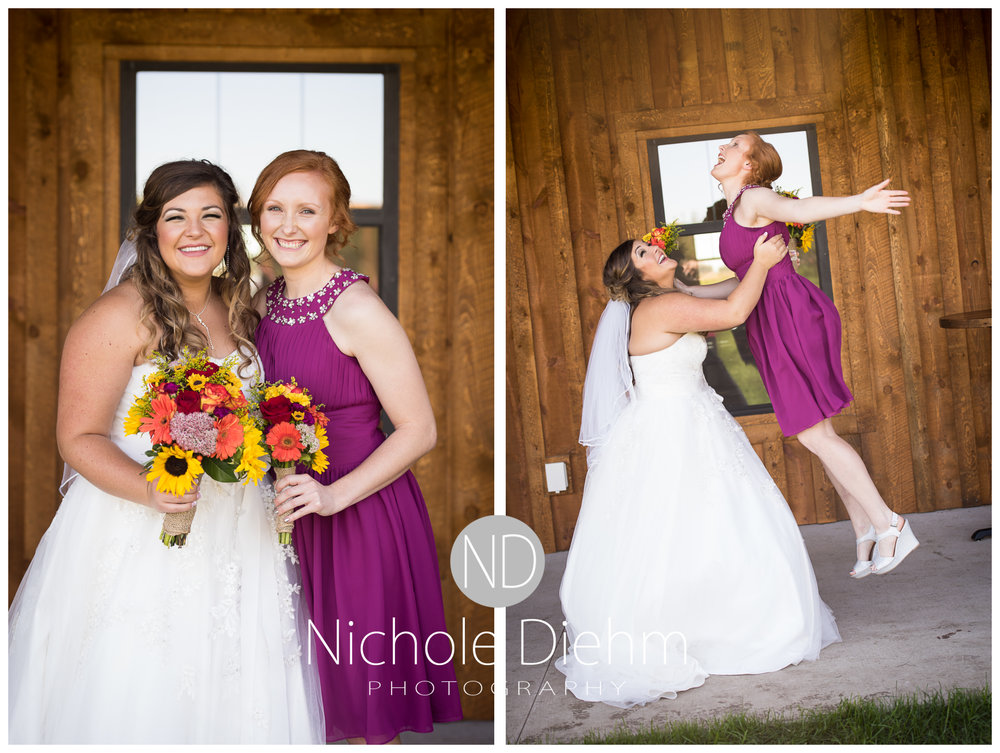 Cedar-Falls-Iowa-Wedding-Photographer-Sioux-Falls-South-Dakota-Emily-Stricklin-Jordy-Reinders-Meadow-Barn-Fall-Nichole-Diehm-Photography-Venue195a.jpg