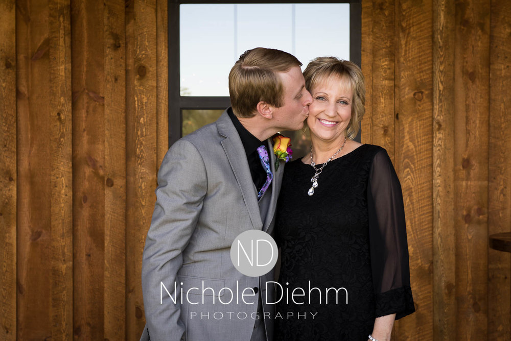 Cedar-Falls-Iowa-Wedding-Photographer-Sioux-Falls-South-Dakota-Emily-Stricklin-Jordy-Reinders-Meadow-Barn-Fall-Nichole-Diehm-Photography-Venue220.jpg