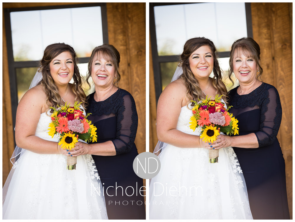 Cedar-Falls-Iowa-Wedding-Photographer-Sioux-Falls-South-Dakota-Emily-Stricklin-Jordy-Reinders-Meadow-Barn-Fall-Nichole-Diehm-Photography-Venue217a.jpg