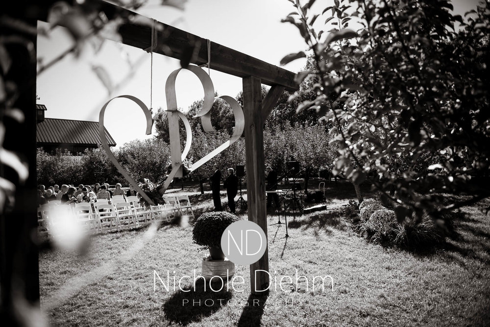 Cedar-Falls-Iowa-Wedding-Photographer-Sioux-Falls-South-Dakota-Emily-Stricklin-Jordy-Reinders-Meadow-Barn-Fall-Nichole-Diehm-Photography-Venue242.jpg