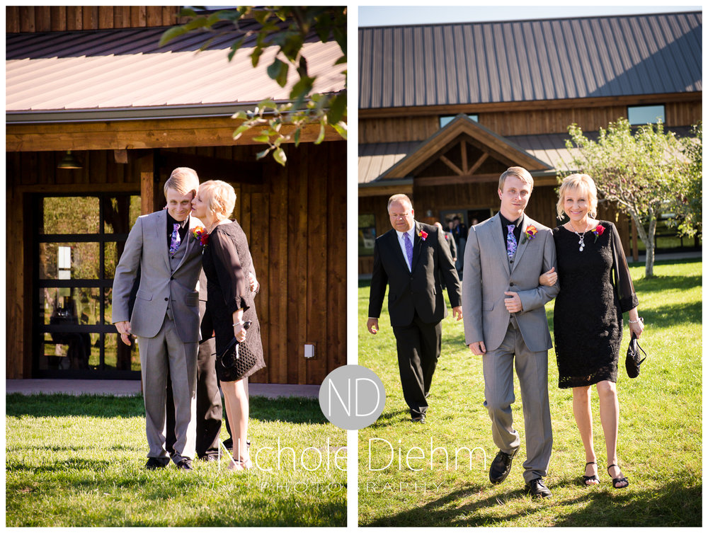 Cedar-Falls-Iowa-Wedding-Photographer-Sioux-Falls-South-Dakota-Emily-Stricklin-Jordy-Reinders-Meadow-Barn-Fall-Nichole-Diehm-Photography-Venue245a.jpg