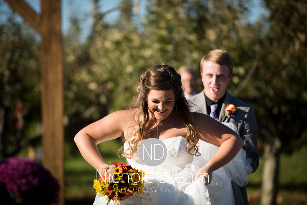 Cedar-Falls-Iowa-Wedding-Photographer-Sioux-Falls-South-Dakota-Emily-Stricklin-Jordy-Reinders-Meadow-Barn-Fall-Nichole-Diehm-Photography-Venue282.jpg