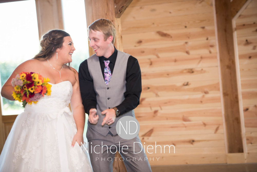 Cedar-Falls-Iowa-Wedding-Photographer-Sioux-Falls-South-Dakota-Emily-Stricklin-Jordy-Reinders-Meadow-Barn-Fall-Nichole-Diehm-Photography-Venue291.jpg