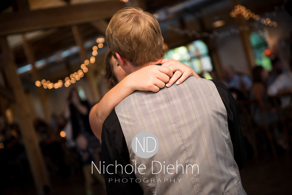 Cedar-Falls-Iowa-Wedding-Photographer-Sioux-Falls-South-Dakota-Emily-Stricklin-Jordy-Reinders-Meadow-Barn-Fall-Nichole-Diehm-Photography-Venue294.jpg
