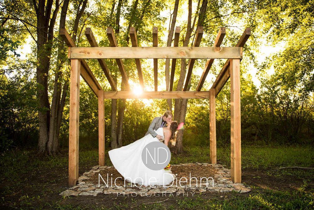 Cedar-Falls-Iowa-Wedding-Photographer-Sioux-Falls-South-Dakota-Emily-Stricklin-Jordy-Reinders-Meadow-Barn-Fall-Nichole-Diehm-Photography-Venue321.jpg