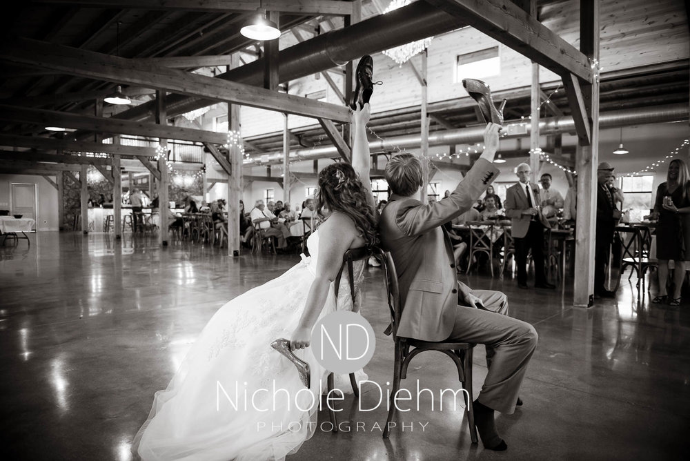 Cedar-Falls-Iowa-Wedding-Photographer-Sioux-Falls-South-Dakota-Emily-Stricklin-Jordy-Reinders-Meadow-Barn-Fall-Nichole-Diehm-Photography-Venue336.jpg