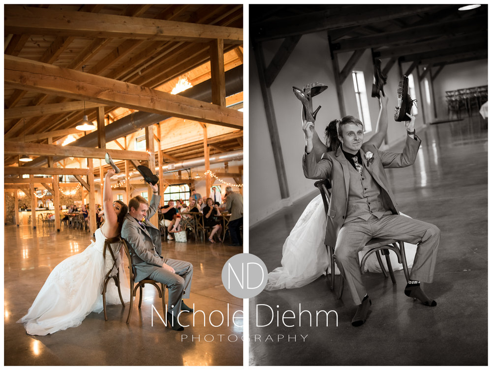 Cedar-Falls-Iowa-Wedding-Photographer-Sioux-Falls-South-Dakota-Emily-Stricklin-Jordy-Reinders-Meadow-Barn-Fall-Nichole-Diehm-Photography-Venue341a.jpg