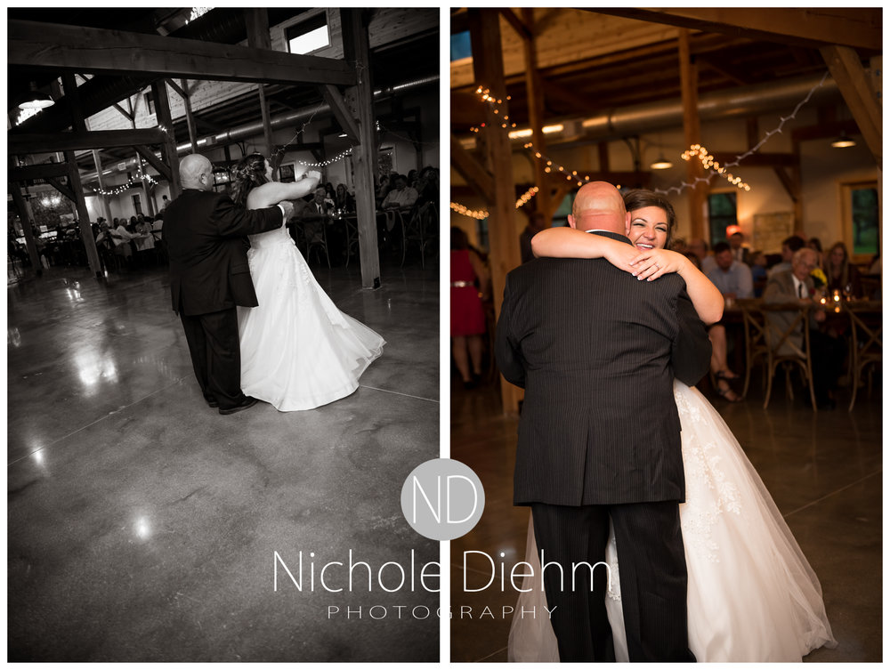 Cedar-Falls-Iowa-Wedding-Photographer-Sioux-Falls-South-Dakota-Emily-Stricklin-Jordy-Reinders-Meadow-Barn-Fall-Nichole-Diehm-Photography-Venue364a.jpg