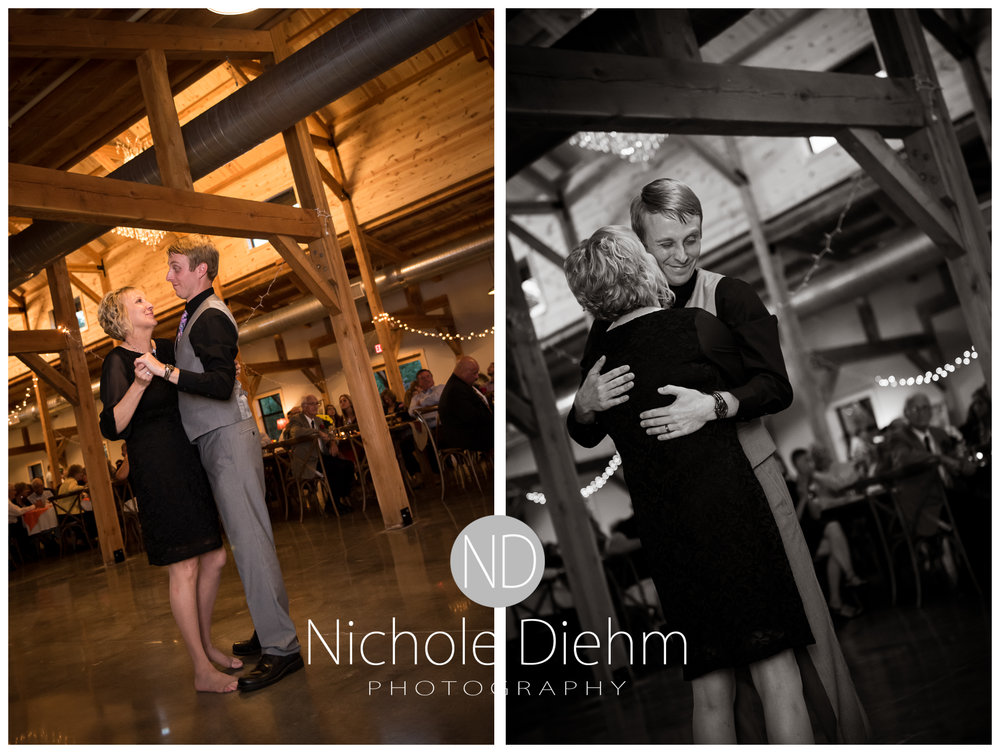 Cedar-Falls-Iowa-Wedding-Photographer-Sioux-Falls-South-Dakota-Emily-Stricklin-Jordy-Reinders-Meadow-Barn-Fall-Nichole-Diehm-Photography-Venue366a.jpg