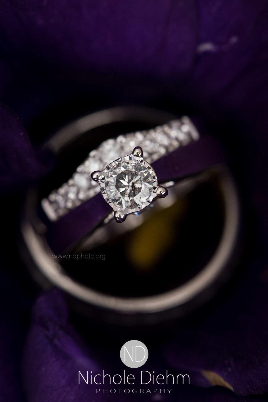 Cedar-Falls-Wedding-Photographer-John-Katie-Hilton-Garden-Inn-St-Eds-Church171.jpg