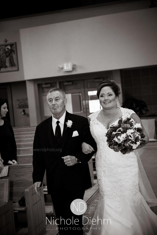 Cedar-Falls-Wedding-Photographer-John-Katie-Hilton-Garden-Inn-St-Eds-Church199.jpg