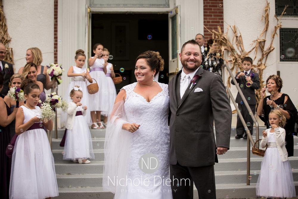 Cedar-Falls-Wedding-Photographer-John-Katie-Hilton-Garden-Inn-St-Eds-Church256.jpg