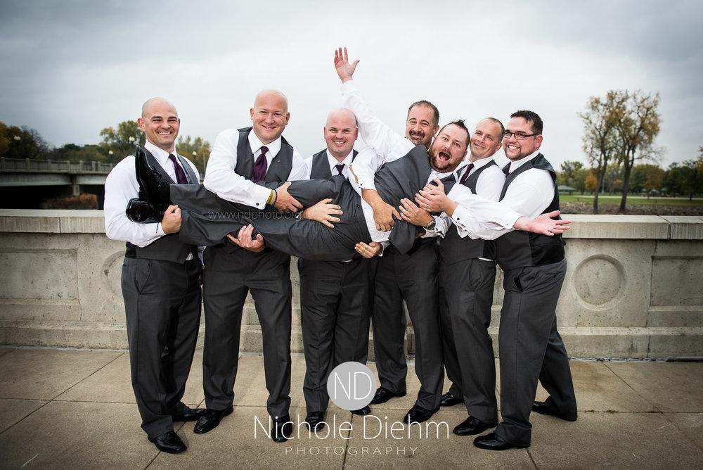 Cedar-Falls-Wedding-Photographer-John-Katie-Hilton-Garden-Inn-St-Eds-Church346.jpg