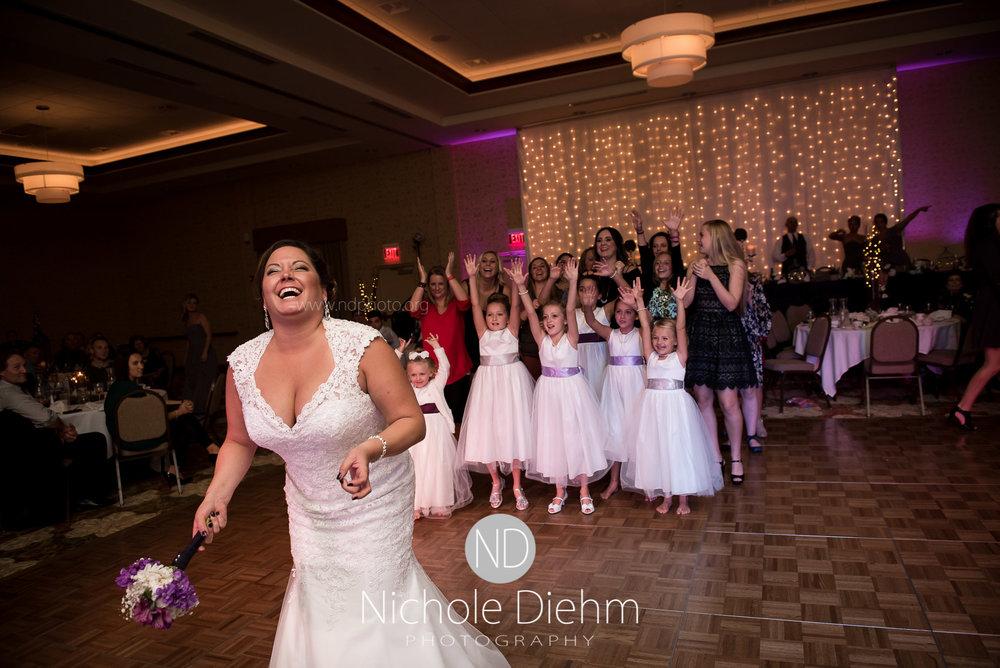 Cedar-Falls-Wedding-Photographer-John-Katie-Hilton-Garden-Inn-St-Eds-Church478.jpg