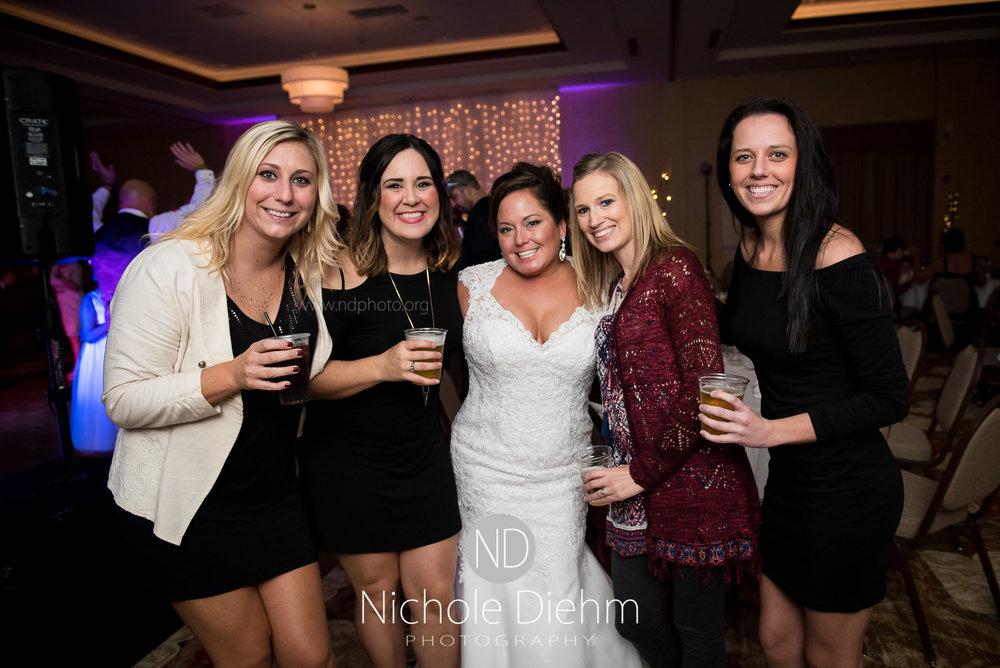 Cedar-Falls-Wedding-Photographer-John-Katie-Hilton-Garden-Inn-St-Eds-Church514.jpg