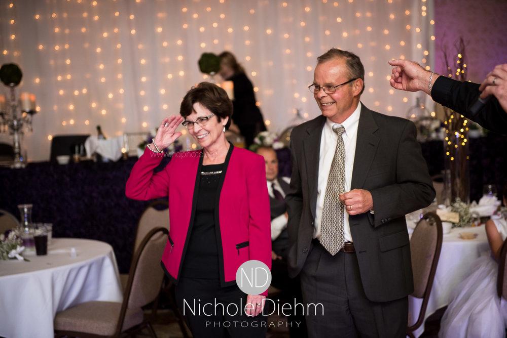 Cedar-Falls-Wedding-Photographer-John-Katie-Hilton-Garden-Inn-St-Eds-Church542.jpg