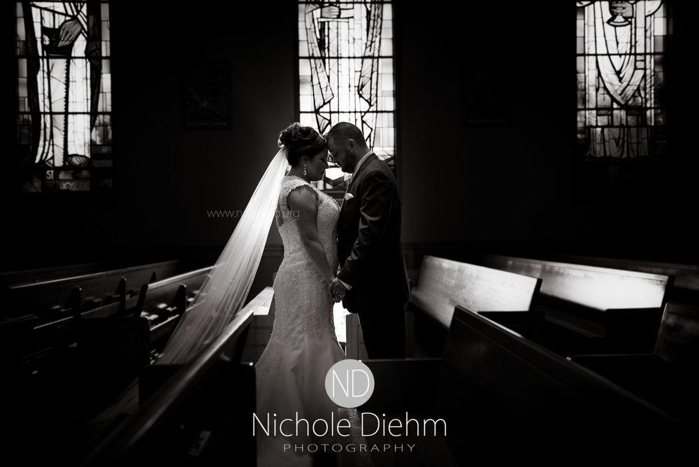 Cedar-Valley-Weddings-Photographer-John-Katie-Nichole-Diehm-Photography-St.Eds-St.Edwards-Waterloo-Iowa100.jpg