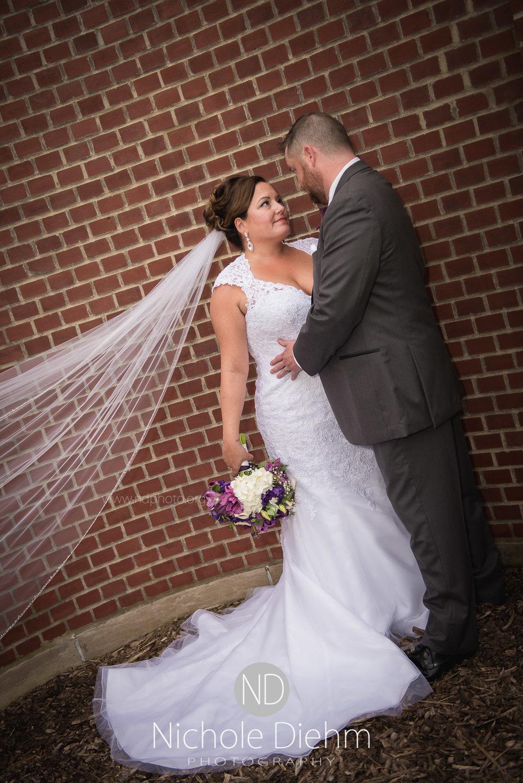 Cedar-Falls-Wedding-Photographer-John-Katie-Hilton-Garden-Inn-St-Eds-Church268.jpg
