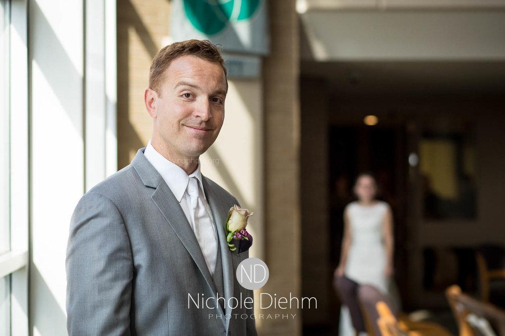 Cedar_Falls_Wedding_Photographer_Nichole_Diehm_Photography-118.jpg