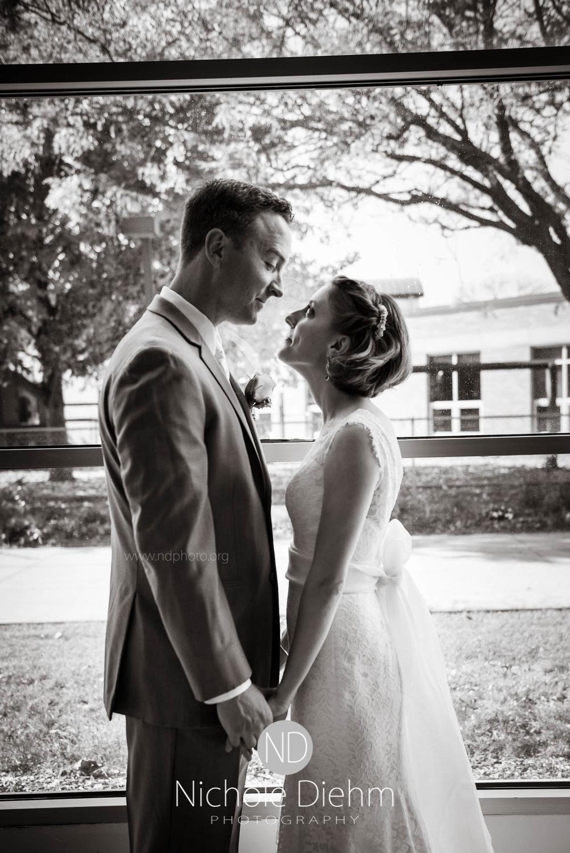 Cedar_Falls_Wedding_Photographer_Nichole_Diehm_Photography-110.jpg