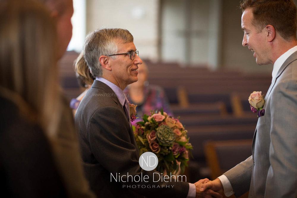 Cedar_Falls_Wedding_Photographer_Nichole_Diehm_Photography-138.jpg