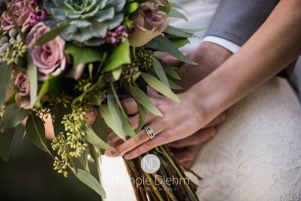 Cedar_Falls_Wedding_Photographer_Nichole_Diehm_Photography-102.jpg