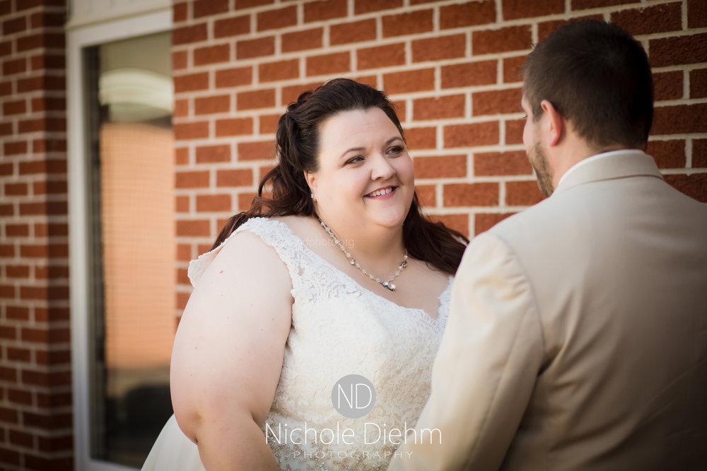 Cedar-Falls-Waterloo-Wedding-Photographer-Nichole-Diehm-Photography-Trinity-Bible-Church-Riviera-Roose-Janesville-Iowa-Tempa-Josh-Huffman_105.jpg