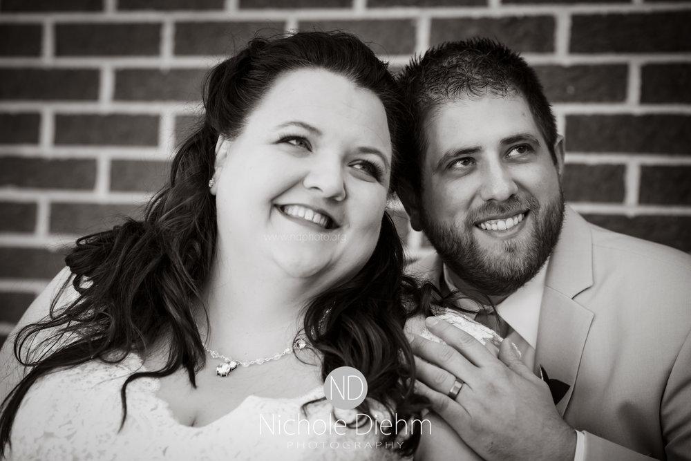 Cedar-Falls-Waterloo-Wedding-Photographer-Nichole-Diehm-Photography-Trinity-Bible-Church-Riviera-Roose-Janesville-Iowa-Tempa-Josh-Huffman_107.jpg