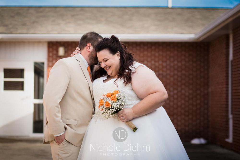 Cedar-Falls-Waterloo-Wedding-Photographer-Nichole-Diehm-Photography-Trinity-Bible-Church-Riviera-Roose-Janesville-Iowa-Tempa-Josh-Huffman_114.jpg