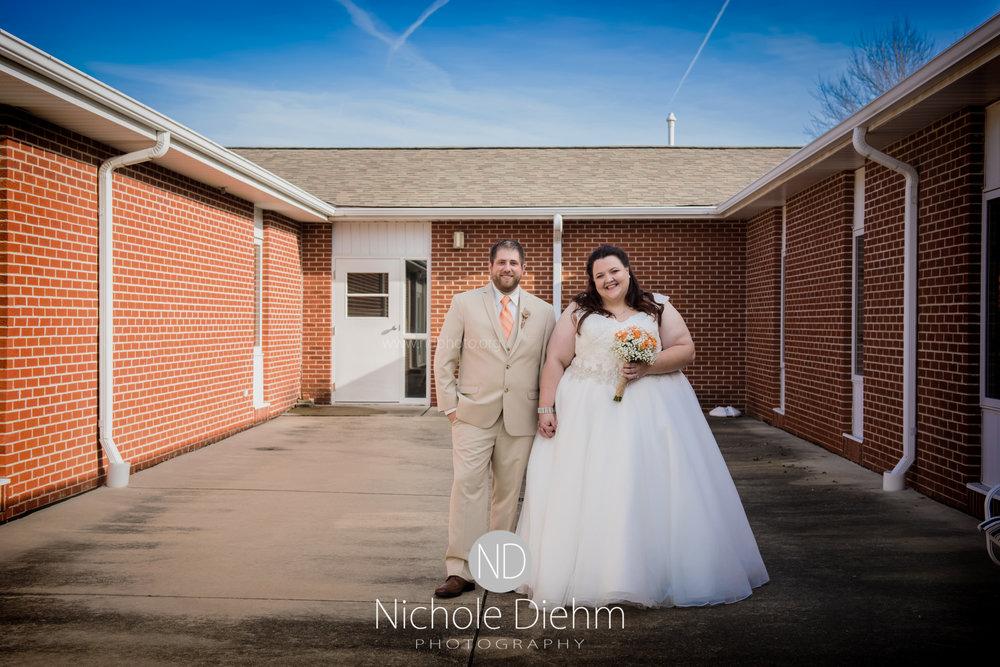 Cedar-Falls-Waterloo-Wedding-Photographer-Nichole-Diehm-Photography-Trinity-Bible-Church-Riviera-Roose-Janesville-Iowa-Tempa-Josh-Huffman_110.jpg