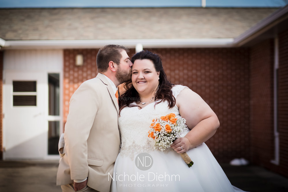 Cedar-Falls-Waterloo-Wedding-Photographer-Nichole-Diehm-Photography-Trinity-Bible-Church-Riviera-Roose-Janesville-Iowa-Tempa-Josh-Huffman_115.jpg