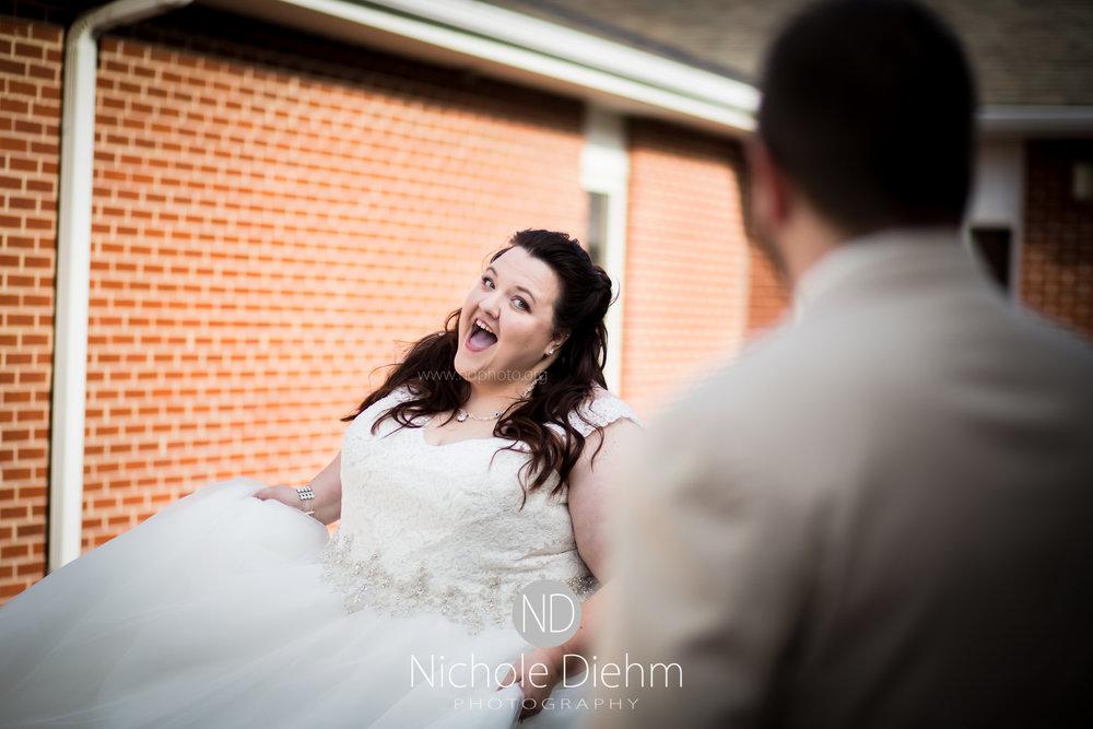 Cedar-Falls-Waterloo-Wedding-Photographer-Nichole-Diehm-Photography-Trinity-Bible-Church-Riviera-Roose-Janesville-Iowa-Tempa-Josh-Huffman_121.jpg