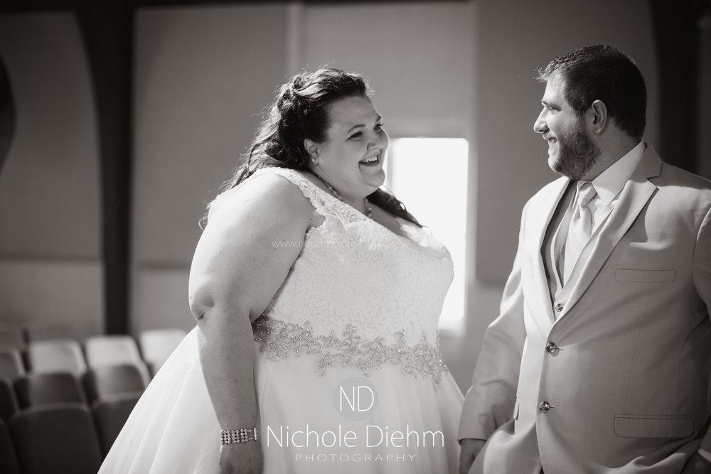 Trinity-Bible-Church-Riviera-Roose-Cedar-Falls-Wedding-Photographer-Nichole-Diehm-Photography-Tempa-Josh-Huffman-144.jpg