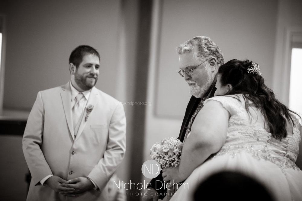 Trinity-Bible-Church-Riviera-Roose-Cedar-Falls-Wedding-Photographer-Nichole-Diehm-Photography-Tempa-Josh-Huffman-319.jpg