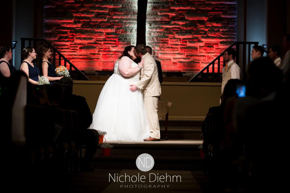 Trinity-Bible-Church-Riviera-Roose-Cedar-Falls-Wedding-Photographer-Nichole-Diehm-Photography-Tempa-Josh-Huffman-347.jpg