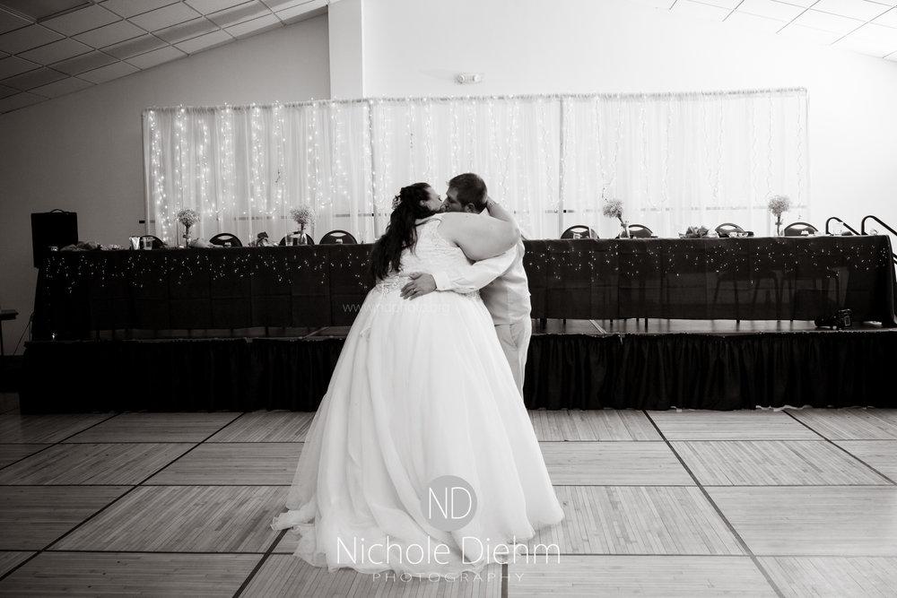 Trinity-Bible-Church-Riviera-Roose-Cedar-Falls-Wedding-Photographer-Nichole-Diehm-Photography-Tempa-Josh-Huffman-458.jpg