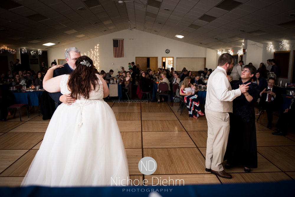Trinity-Bible-Church-Riviera-Roose-Cedar-Falls-Wedding-Photographer-Nichole-Diehm-Photography-Tempa-Josh-Huffman-459.jpg