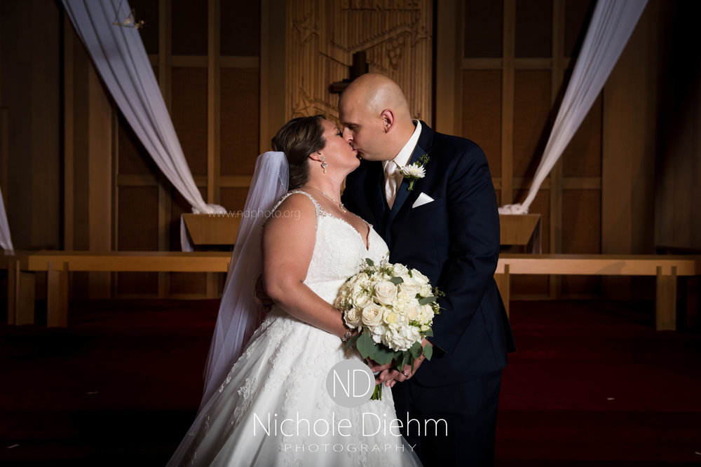 Cedar-Falls-Waterloo-Iowa-Wedding-Photographer-Nichole-Diehm-Photography--35.jpg