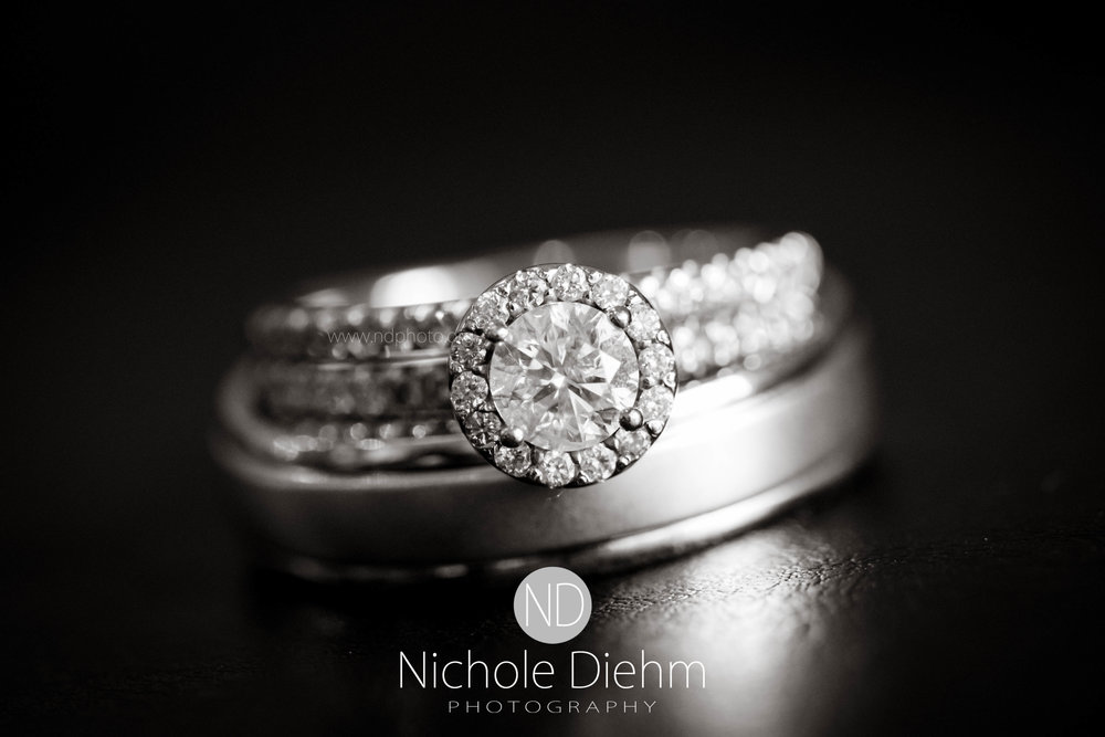 Cedar-Falls-Waterloo-Iowa-Wedding-Photographer-Nichole-Diehm-Photography--39.jpg