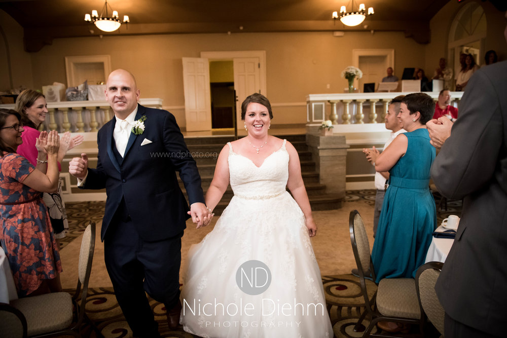 Cedar-Falls-Waterloo-Iowa-Wedding-Photographer-Nichole-Diehm-Photography--56.jpg