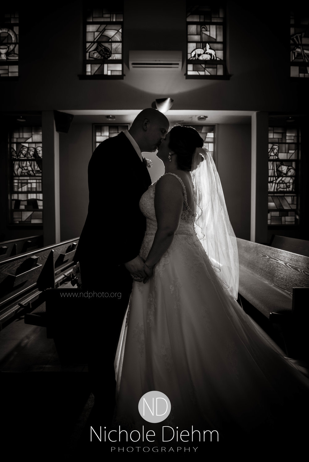 Cedar-Falls-Waterloo-Iowa-Wedding-Photographer-Nichole-Diehm-Photography--67.jpg