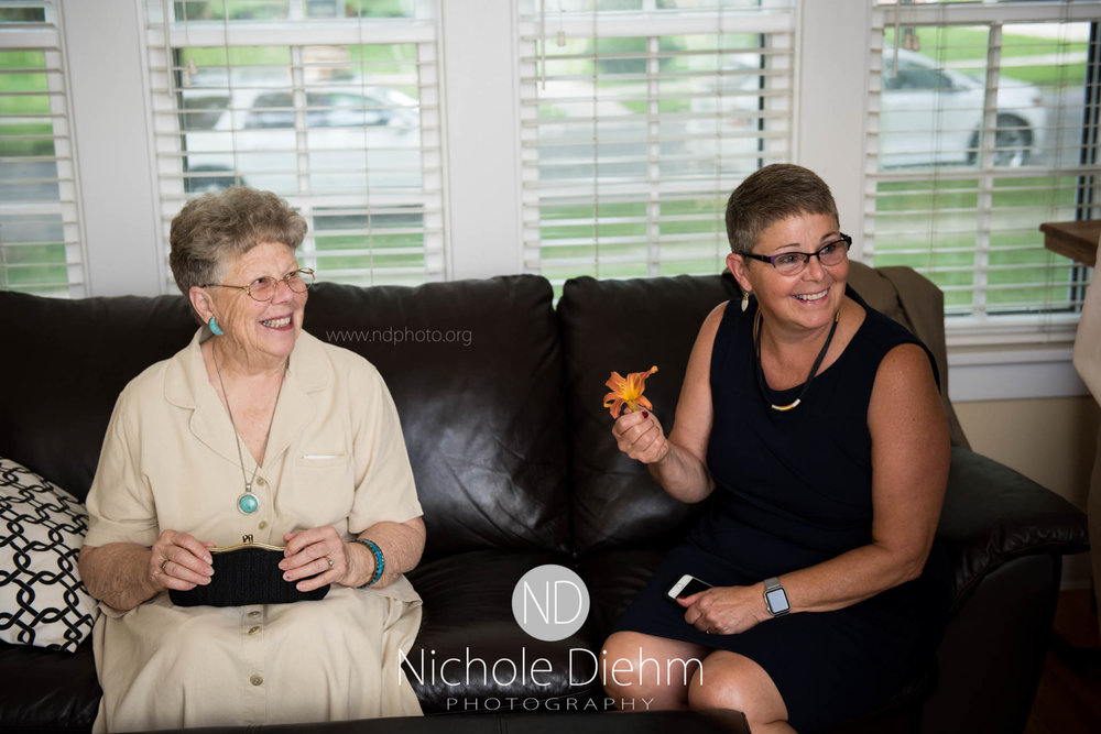 Cedar-Falls-Waterloo-Wedding-Photographer-Nichole-Diehm-Photography--9.jpg