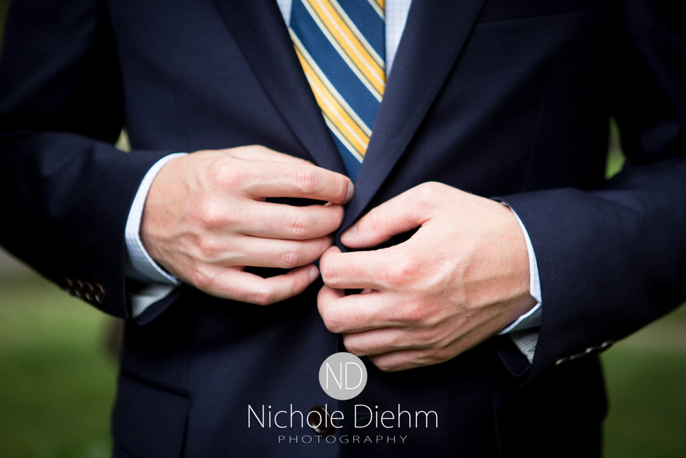 Cedar-Falls-Waterloo-Wedding-Photographer-Nichole-Diehm-Photography--101.jpg