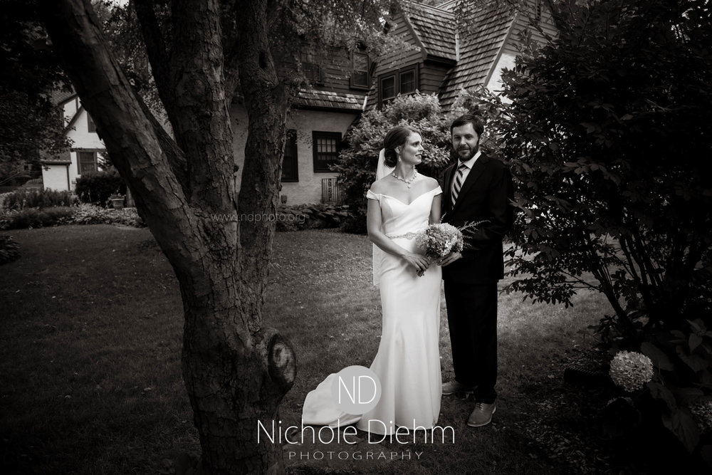 Cedar-Falls-Waterloo-Wedding-Photographer-Nichole-Diehm-Photography--126.jpg