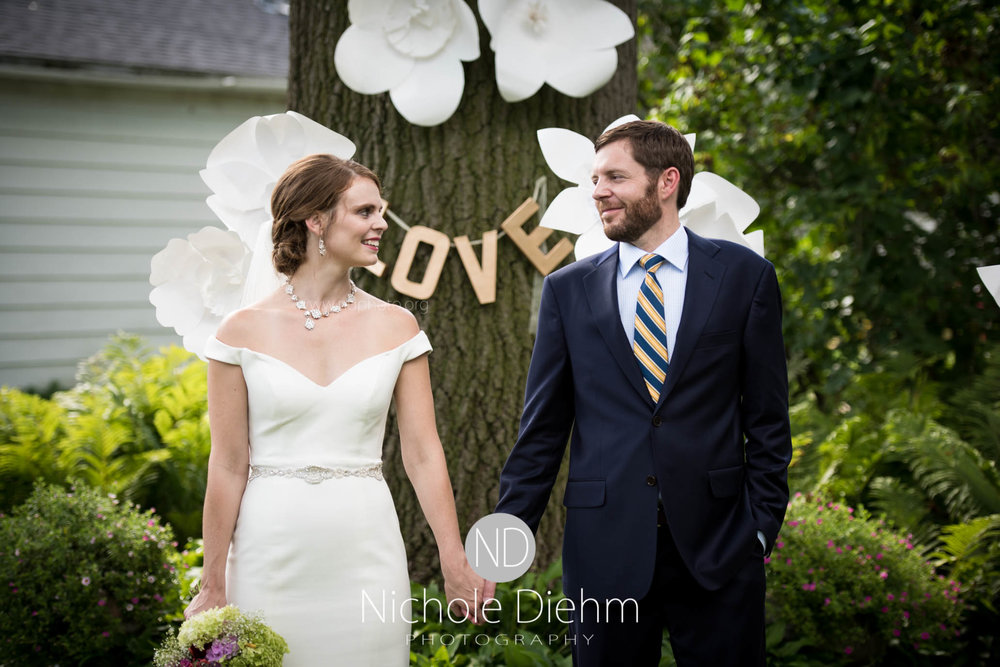 Cedar-Falls-Waterloo-Wedding-Photographer-Nichole-Diehm-Photography--340.jpg