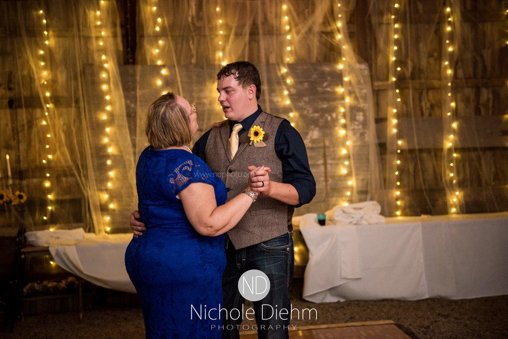 Jake-&-Jennifer-Engagement-Waverly-Iowa-Photography-536.jpg